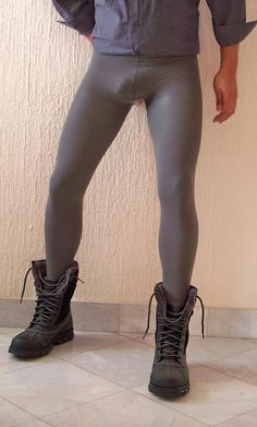 lycra and legs of the men : Photo