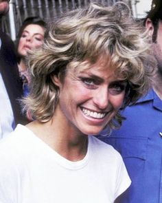 Farrah Fawcett's Hairstyles Pays Tribute to the Farrah of Yesteryear - Elle