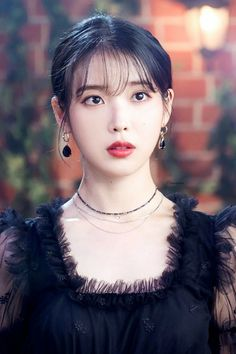 #IU #Hotel_Del_Luna #tvN #LeeJiEun #YeoJinGoo Singer Fashion, Iu Fashion, Kpop Girl Groups, Kpop Girls, Iu Hair, Eunji Apink, Interesting Faces, Beautiful Asian Girls, Girl Photography