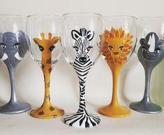 Handpainted Animal Wine Glasses Set of 5 Glasses Safari Glasses Handpainted Wine Glasses Elephant Lion Rhino Zebra Giraffe Gift by on Etsy Glass Bottle Crafts, Bottle Art, Funny Wine Glasses, Wine Glass Designs, Wine Craft, Wine Glass Holder, Hand Painted Wine Glasses, Decorated Bottles, Painted Bottles