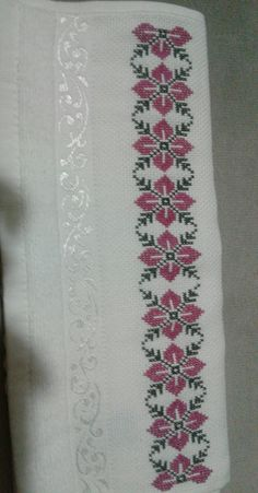 Cross Stitch Borders, Floral Tie, Embroidery Stitches, Diy And Crafts, Crochet, Cross Stitch Embroidery, Towels, Ideas, Embroidered Towels