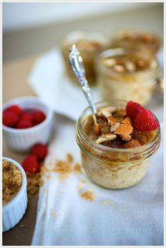 Oatmeal Brûlée with Berries and Almonds - great for brunch weddings or even a nice bridal shower. healthy fun alternatives are nice. also can be a great breakfast for the day of the event, something to put on the tummy for the nervous bride, naturally sweet and give you a little get up and go.