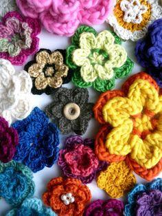 Sculptural Crochet Flowers - via @Craftsy