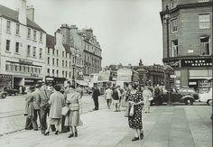 High Street Dundee.. looks like 1950's...