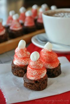 Hot Chocolate Santa Hat Brownies... Something I have to try. Once December gets here...lol. #Christmasfood