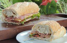 Pão baguette, salaminho, queijo prato, maionese light, alface e tomate