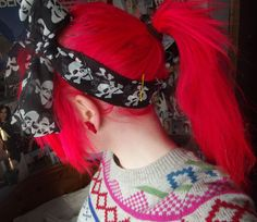 Crazy Colorful hair color gives you a gothic look which is rather incredible if you understand how to style your hair to go for the style and also understand how to dress the appearance. Yellow Hair, Red Hair Color, Blue Hair, Hair Colors, Hair To Go, Dye My Hair, Alternative Hair, Alternative Fashion, Emo Hair