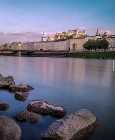 Salzburg City......... 🌍 . . #salzburg #salzburgerland #salzburgcity #salzburgaustria #hohensalzburgcastle #hohensalzburgfestung #salzachriver #salzach #longexposure_shots #longexposurephotography #langzeitbelichtungen #visitsalzburg #visitaustria #moments #picoftheday #photooftheday #longexposure #photography #landscape #landscapephotography #travel #travelphotography #castle Photo: @evangelos_worldpics 📸 Land Scape, Austria, Mansions, House Styles, Travel, Viajes, Manor Houses, Villas, Mansion