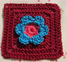 Little things made with love♥: Little Flower Square