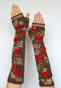 Mori style gloves ~ sosuperawesome