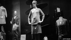 ARTICLE: The Rise and Fall of Realistic Mannequins.  Circa 1930: Autumn knitwear in a shop window