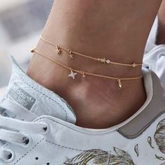 chain Check out mega collection of Stunning Anklets that are m. - chain Check out mega collection of Stunning Anklets that are must buy we have ank - Ankle Jewelry, Dainty Jewelry, Ankle Bracelets, Cute Jewelry, Jewelry Accessories, Fashion Accessories, Fashion Jewelry, Women Jewelry, Jewelry Design