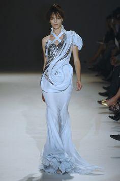 Givenchy HC 2007
