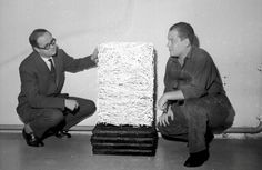 Aage Damgaard and Piero Manzoni looking at Achrome, 1961. Foto: Ole Bagger