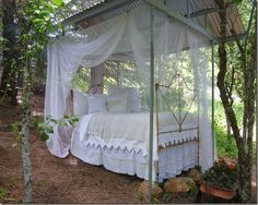 Dreamy outdoor bed at MaryJanesFarm