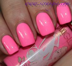 PIXI Beauty PixiGlow Nail Colour in Pirouette Pink