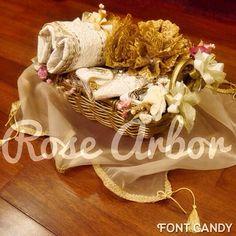 Gold rattan basket rose arbor seserahan #hantaran