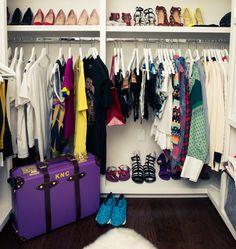 http://www.savoirville.gr/celebrity-closets/