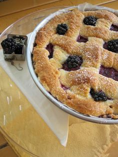 pear, black carrots and blackberries pie!