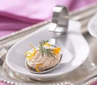 Mouse van gerookte forel - Amuse recepten ! Tapas, Christmas Brunch, Appetisers, Party Snacks, High Tea, Fish Recipes, Good Food, Dinner, Mousse