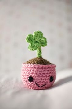 Amigurumi Four Clover - FREE Crochet Pattern / Tutorial