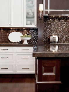 Transitional Kitchen #kitchen #transitional #transitionalkitchen #shaker #twotoned #cabinets