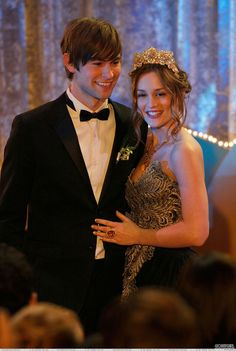 Gossip Girl Valley Girls / Chace Crawford as Nate Archibald / Leighton Meester as Blair Waldorf Estilo Blair Waldorf, Blair Waldorf Outfits, Blair Waldorf Style, Nate Gossip Girl, Estilo Gossip Girl, Gossip Girls, Gossip Girl Prom, Gossip Girl Season 2, Nate Archibald