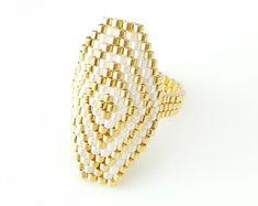 Anillo metálico rojo hexagonal hexagonal por JeannieRichard en Etsy
