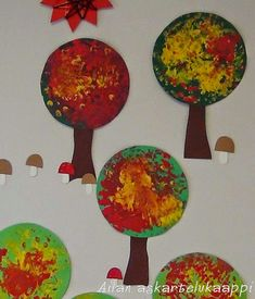 Fall Preschool, Leaf Crafts, Autumn Crafts, Fall Diy, Art Classroom, Autumn Trees, In Kindergarten, Diy Crafts For Kids, Paper Crafts