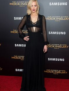 Jennifer Lawrence wears Schiaparelli at the Hunger Games: Mockingjay part 2 premiere in New York, November 2015