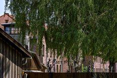 kriittistä matkaa: KESKITYSLEIRISTÄ TURISTIRYSÄKSI Poland, Cabin, House Styles, Decor, Decoration, Cabins, Cottage, Decorating, Wooden Houses
