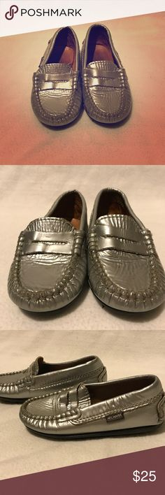 Atlanta Moccasins for kids EU size 24 Silver slippers, worn only once, been hiding in the closet for some time now. No rips or holes, the bottom is like new, see pictures. Atlanta Moccasins Portugal Shoes Moccasins