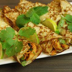 Crêpes thaï au lait de coco et poulet mariné au citron vert