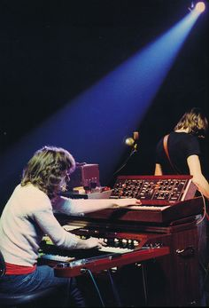 Great shot highlighting Pink Floyd's Richard Wright's gear