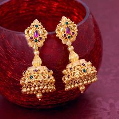 Discover wide range of collection of traditional gold earring at Waman Hari Pethe Sons. Jewelry Design Earrings, Gold Earrings Designs, Gold Jewellery Design, Jhumka Designs, Gold Designs, Jewellery Box, Necklace Designs, Gold Jewelry Simple, Simple Necklace