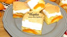 PRAJITURA CU BEZEA SI CAISE Romanian Desserts, Romanian Food, Sweets Recipes, Cooking Recipes, Fries, Pancakes, Sweet Treats, Cheesecake, Baking