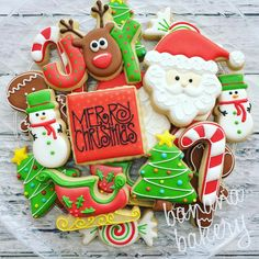 Merry Christmas!! Wishing you all a wonderful holiday with family and friends! #Christmas #christmascookies #customcookies #decoratedcookies #sugarcookies #bananabakery