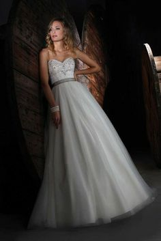 Wedding Dress Photos - Find the perfect wedding dress pictures and wedding gown photos at WeddingWire. Browse through thousands of photos of wedding dresses. Bridal Gown Styles, Wedding Dress Styles, Designer Wedding Dresses, Bridal Dresses, Wedding Gowns, Bridesmaid Dresses, Tulle Wedding, Bridal Style, Bridal Sash