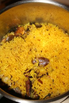 Indian Basmati Rice My family has been on an Indian cusine kick of late. Even the boys! There is nothing better for this mama than to hear one of her boys ask for seconds. I have been experimenting and this is what I… - Indian Basmati Rice Curry Recipes, Asian Recipes, Vegetarian Recipes, Cooking Recipes, Rice Recipes Indian, Yellow Rice Recipes, Authentic Indian Recipes, Good Recipes, Jasmine Rice Recipes