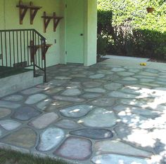Paint Cement Patio Floors to look like Cobblestones - Decorative Faux Craft Tole Painting on Cement and Concrete, Glass Jars, Walls, to Create Rock Homes and Stone Houses in the style of Thomas Kincade Painted Cement Patio, Diy Concrete Patio, Painted Concrete Floors, Diy Patio, Stained Cement, Cement Floors, Stone Flooring, Patio Steps, Painting Cement