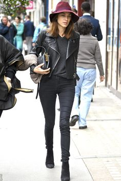 Alexa Chung: cloche hat + leather jacket +black skinny jeans + boots