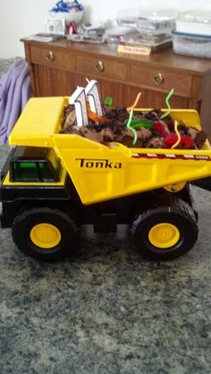 Tonka truck birthday cake, super easy, and he went nuts for it! Yay