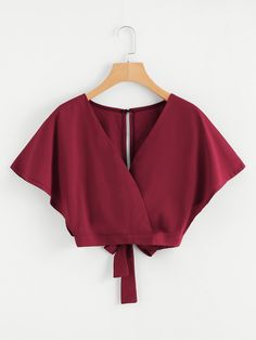 Crop Tops 542191242640967935 - Split Back Wrap Crop TopFor Women-romwe Source by Teen Fashion Outfits, Look Fashion, Girl Fashion, Fashion Dresses, Fashion Styles, Fashion Women, Crop Top Outfits, Cute Casual Outfits, Summer Outfits