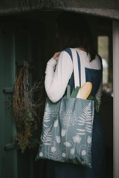 Charlotte's Garden - a design by Hannah Nunn for the Bronte Parsonage Museum shop. Photos by Sarah Mason Photography #hellebores #ferns #tulips # alliums #victoriangarden #bronte #charlottebronte ##bronte200 #canvasbag