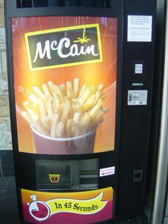 McCain, United States & Austria - French fries - nooooooooooooo i'm watching me weight ! Food Vending Machines, Digital Kiosk, Igt Slots, Bakery Cafe, Football Food, French Fries, Snack, Food And Drink, Youth Center