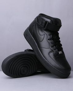 The Air Force 1 Mid-Top Sneakers