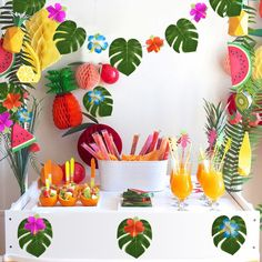 KUUQA 48 Pcs Tropical Party Decor Artificial Plant Tropical Palm Monstera Leaves Simulation Leaf for Hawaiian Luau Safari Party Jungle Beach Theme BBQ Birthday Party Decorations Supplies 3 Sizes Party Wall Decorations, Hawaiian Party Decorations, Hawaiian Luau Party, Birthday Party Decorations, Aloha Party, Diy Decoration, Decor Ideas, Moana Party, Moana Themed Party