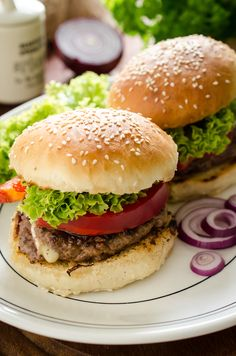 Welcome to how to make the best ever juicy lucy cheese burger in the airfryer recipe.