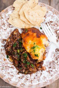 Shepherd's Pie meets Indian curry! Pie like you've never had it before. #shepherdspie #beef #comfortfood