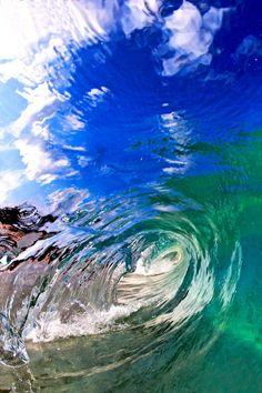 breaking wave on hawaiï | foto: cj kale & nick selway